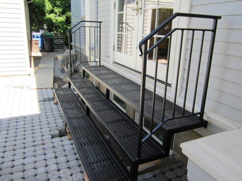 metal steps with iron rails
